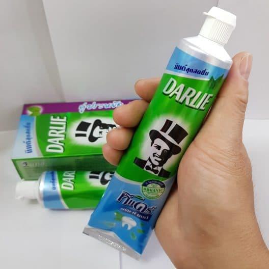 Kem danh rang Darlie tra xanh